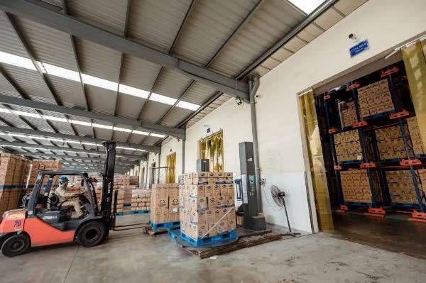 Công ty TNHH Dầu thực vật Cái Lân (KCN Cái Lân, TP Hạ Long) duy trì hoạt động sản xuất, đáp ứng các đơn hàng đã ký kết.