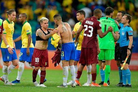 全民皆兵攻足全場 三次送球入網窩卻成詐糊 美洲國家盃:巴西對委內瑞拉賽後感