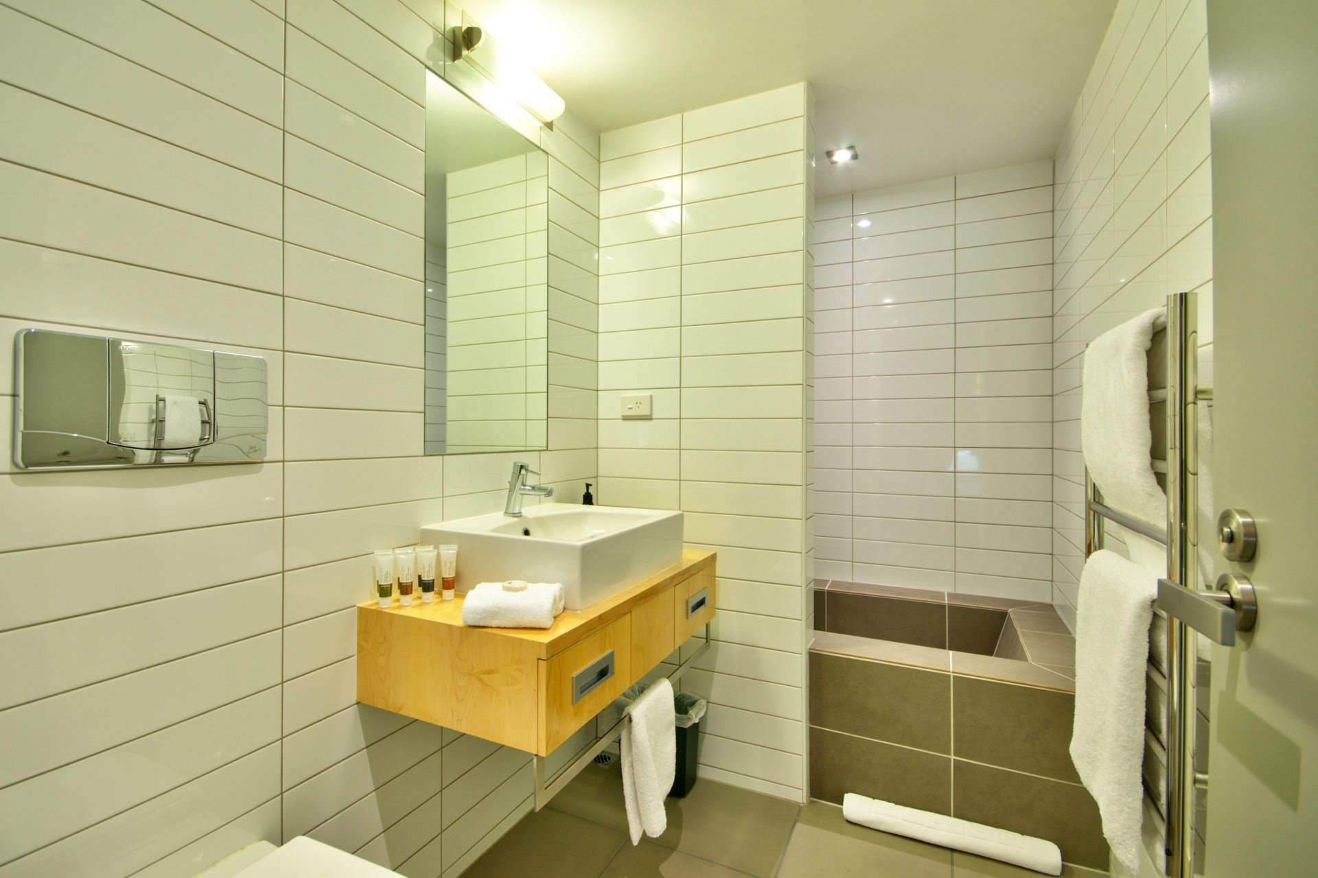 Central Queenstown Pounamu Apartment 203 - 2 Bedroom