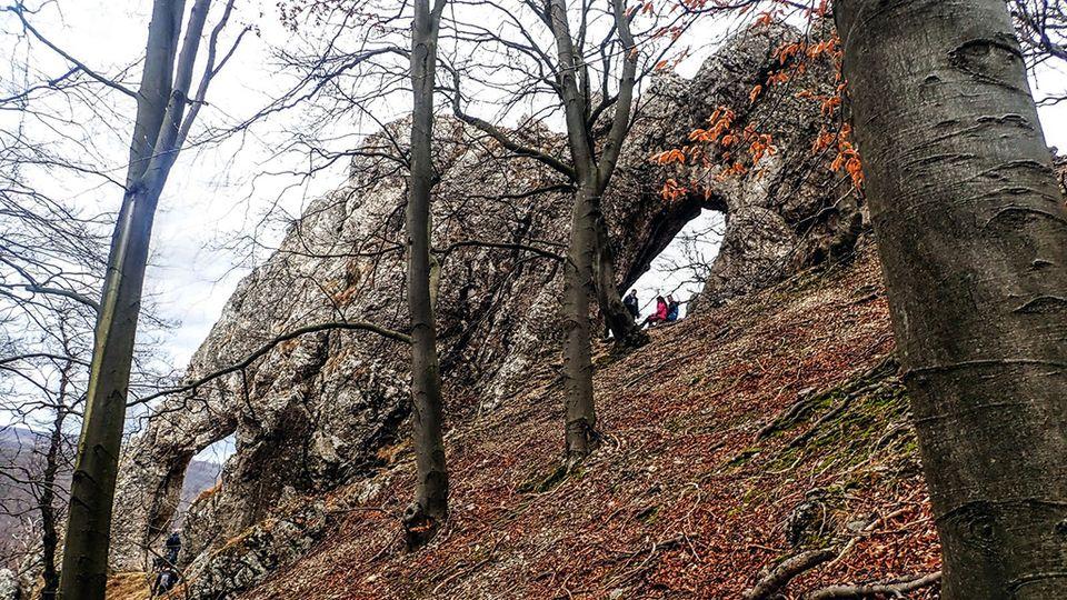 Pilis-tető és a Vaskapu-szikla