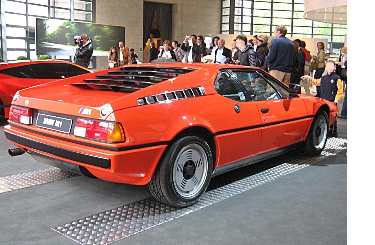 [Imagen: BMW_M1_Rear-view.JPG]