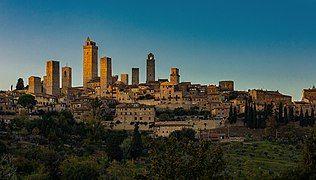San Gimignano Tramonto.jpg