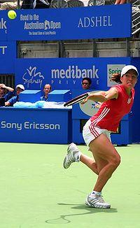 Justine henin hardenne medibank international 2006.jpg