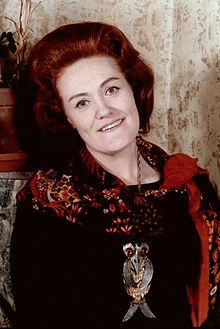 Dame Joan Sutherland, by Allan Warren.jpg