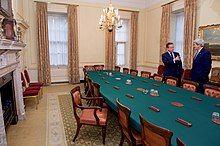 British Prime Minister David Cameron and U.S. Secretary of State John Kerry at 10 Downing Street (26873120142).jpg