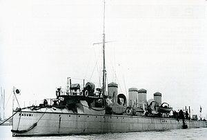 IJN Kasumi in England Meiji 35.jpg