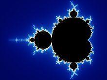 一个复平面下,曼德博集合的黑色图案,背景为蓝色的