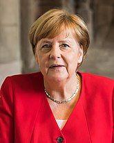 Besuch Bundeskanzlerin Angela Merkel im Rathaus Köln-09916 (cropped).jpg