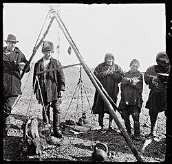No-nb bldsa 3f069 Nenets people selling sturgeon.jpg
