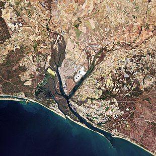 (Huelva) Seville, Spain (49104522676) (cropped).jpg
