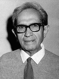 Albert Claude 1974.jpg