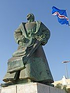 Praia-Monument to Diogo Gomes (3) (cropped).jpg