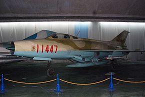 Chengdu J-7 (2908628963).jpg