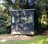 Garden hut in well-kept surroundings