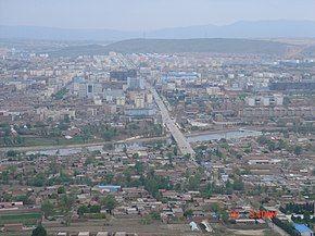 固原市区东山俯瞰.jpg