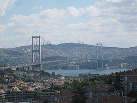 Bosphorus Bridge, Istanboul.jpg