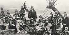 Nordic Sami people Lavvu 1900-1920.jpg