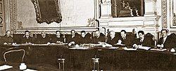 1917年的俄罗斯临时政府会议。