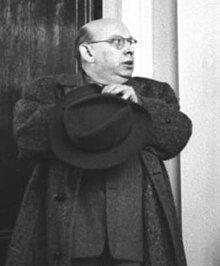 Bundesarchiv Bild 183-19204-2132, Berlin, (Bertolt Brecht und) Hanns Eisler.jpg
