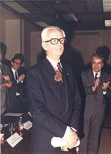 Maurice Duverger - Honoris Causa UAB.jpg