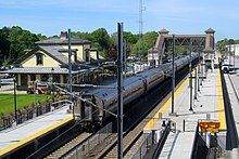 A southbound Northeast Regional train stopped at Kingston Station