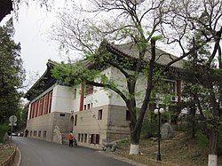 Building, Peking University, 2011042204.jpg