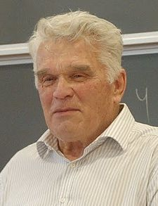 Ludvig Faddejev (cropped).jpg