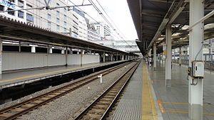 埼京线、湘南新宿线站台(2014年8月) 此图片需要更新。 (2020年7月16日) 请更新本文以反映近况和新增内容。完成修改时,请移除本模板。