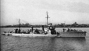 Japanese destroyer Kuri in 1937.jpg