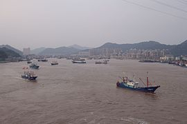 Shipu Fishing Harbor, 2014-10-06 01.jpg