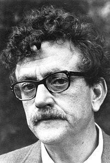 Kurt Vonnegut 1972.jpg