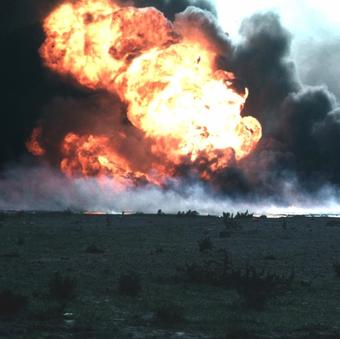 Kuwait burn oilfield crop1.png