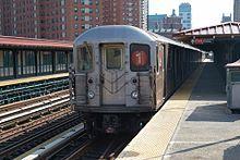 1 subway train (R62A) at 125th St station, Manhattan.jpg