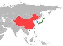 在东亚地图上标明中国大陆(红色)、日本(绿色)和韩国(蓝色)。