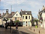 Laon (02), rue du Bourg, bifurcation avec la rue du 13 octobre 1918.jpg