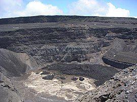 Karthala volcano-Comoros.jpg