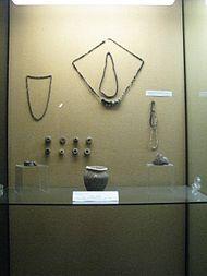 9th-11th-century objects from the Alba Iulia region