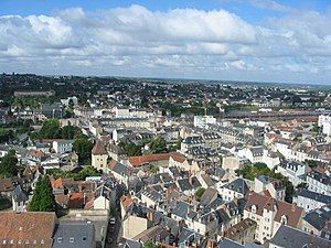 Nevers cathedrale vue 05.jpg