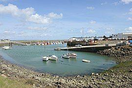 Remise des bateaux de pêche Loctudy.jpg