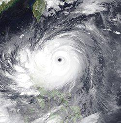 2011年8月26日,接近登陆的超强台风南玛都