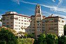 Vista del Arroyo Hotel in Pasadena, California 11 (cropped).jpg