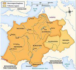 公元751年被加洛林王朝取代前墨洛温王朝的疆域,深黄色为墨洛温王朝直接统治区域,浅黄色为其附庸国