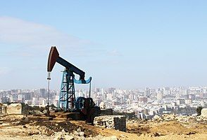 Oil pump in Baku.jpg