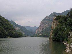 Olt Defile, Vâlcea County