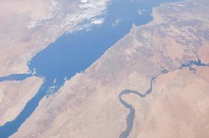 File:Day Pass down the Red Sea.ogv