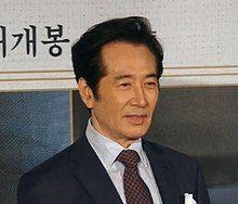 180813 영화 '명당'제작발표회 백윤식.jpg