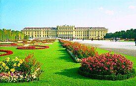 Schonbrunn Palace3.JPG