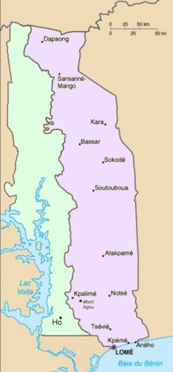 British Togoland (left) beside French Togoland (right)