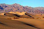 Mesquite Sand Dunes in Death Valley.jpg