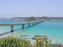 角岛大桥(日语:角島大橋)